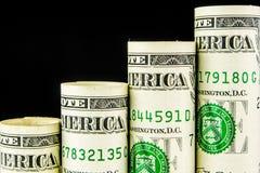 Toenemende die stappen van één Amerikaanse dollarbankbiljetten worden gemaakt Royalty-vrije Stock Fotografie