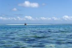 Toerisme met dugout kano royalty-vrije stock foto