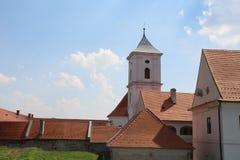Toerisme in Osijek, Kroatië/Daken en Kerktoren van Oude Stad stock fotografie