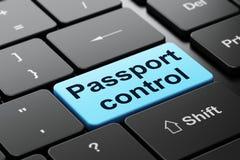 Toerismeconcept: Paspoortcontrole op de achtergrond van het computertoetsenbord Stock Foto