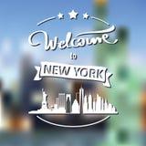 Toerismeetiket met horizon, tekstonthaal aan New York stock afbeeldingen