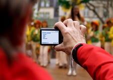 Toerist die een beeld neemt Stock Foto's
