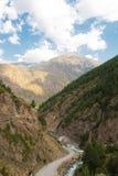 De kloof adyr-Su, de Kaukasische bergen, beschermde streek, Rusland Royalty-vrije Stock Foto's