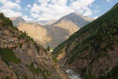 Kloof adyr-Su, de Kaukasische bergen, beschermde streek, Rusland Royalty-vrije Stock Foto