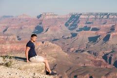 Toerist in Grand Canyon Stock Afbeeldingen