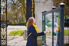 Toerist in het park van de Regent in Londen royalty-vrije stock afbeelding