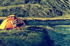 Toerist in kamp royalty-vrije stock foto