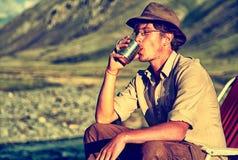 Toerist in kamp stock fotografie