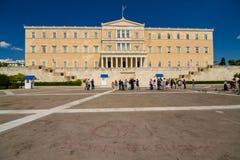 Toerist voor het Parlement van Griekenland Stock Foto