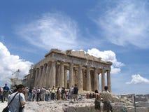 Toeristen in akropolis royalty-vrije stock foto's