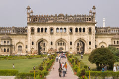 Toeristen in Bara Imambara Royalty-vrije Stock Foto's