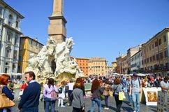 Toeristen bij Piazza Navona op 28 Maart, 2012 Royalty-vrije Stock Foto's