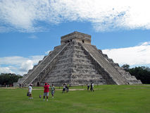 Toeristen in Chichen Itza (Mexico) Stock Foto's