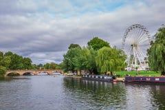Toeristen in de boot, Stratford op Avon, de stad van William Shakespeare ` s, Westmidlands, Engeland stock afbeeldingen