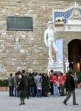 Toeristen die de stad van Florence, Italië bezoeken royalty-vrije stock foto