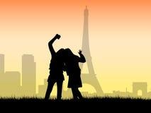 Toeristen die een foto in Parijs ontspruiten Stock Foto