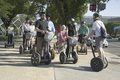 Toeristen die op een reis Segway van Washington bezienswaardigheden bezoeken Royalty-vrije Stock Foto