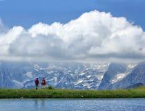 Toeristen die op het panorama letten Royalty-vrije Stock Afbeelding