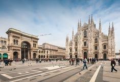 Toeristen die Piazza Duom bezoeken Royalty-vrije Stock Foto