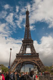 Toeristen en de toren van Eiffel Royalty-vrije Stock Afbeeldingen