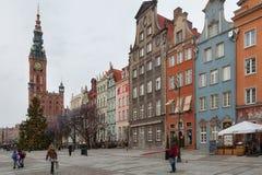 Toeristen en plaatselijke bewoners die op straten in historisch centrum van G lopen royalty-vrije stock afbeeldingen