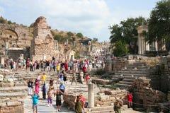 Toeristen in ephesus Royalty-vrije Stock Foto