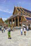 Toeristen in Groot Paleis, Bangkok Stock Afbeeldingen
