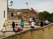 Toeristen in het historische centrum van Otranto - Italië Royalty-vrije Stock Fotografie