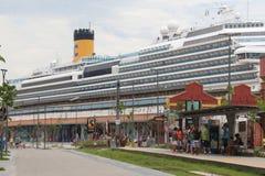 20.000 toeristen ontschepen van transatlantische schepen in Rio de Jan Stock Foto's
