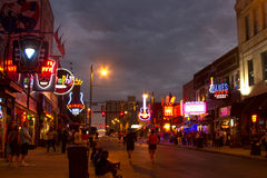 Toeristen op Beale-Straat, Memphis Royalty-vrije Stock Afbeeldingen