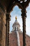 Toeristen op de Koepel 13 van Brunelleschi ` s van het observatiedek Oktober, royalty-vrije stock foto's
