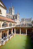 Toeristen in oud Roman Bath Museum, Bad, Somerset Stock Fotografie
