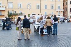 Toeristen in Piazza Navona Royalty-vrije Stock Foto's