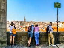 Toeristen in Porto - Portugal stock afbeelding