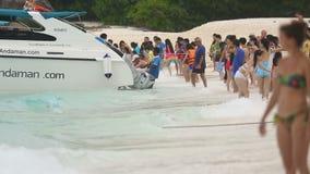 Toeristen in Similans stock video