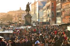 Toeristen in Venetië. Venetiaans Carnaval 2011, Italië. Royalty-vrije Stock Foto