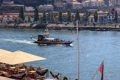 Toeristenboot in Porto, Portugal royalty-vrije stock fotografie