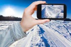 Toeristenfoto's van skispoor bij sneeuwgebied Stock Foto