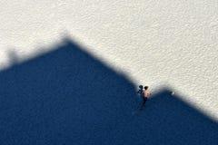 Toeristenrecreatie op Mamaia-de kust van de strandzwarte zee stock foto