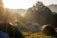 Toeristententen het kamperen royalty-vrije stock fotografie