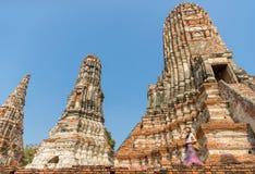 Toeristenvrouw bij het oostelijke de reis van Azië lopen royalty-vrije stock foto