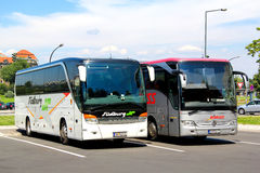 Toeristische bussen Stock Afbeelding