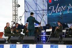 Toespraak door Russisch militair fanfarekorps van de militaire academie van het algemene personeel Stock Foto's