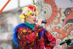 Toespraakpopgroep Balagan op de Carnaval-viering in de stad van Cheboksary, Chuvash Republiek, Rusland wordt beperkt dat 13 maart Royalty-vrije Stock Fotografie