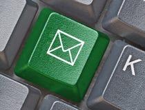 Toetsenbord met sleutel met E-mailsymbool Stock Fotografie