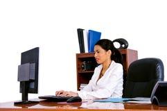 Toevallige BedrijfsVrouw in Bureau Stock Foto's