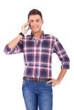 Toevallige mens op de telefoon Royalty-vrije Stock Foto's