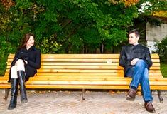 Toevallige vergadering in het park stock afbeeldingen