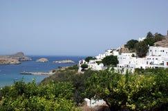 Toevluchtsoord en stad Lindos op eiland Rhodos Royalty-vrije Stock Foto