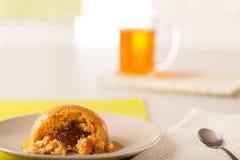 Toffee Bombe-Pudding lizenzfreies stockbild